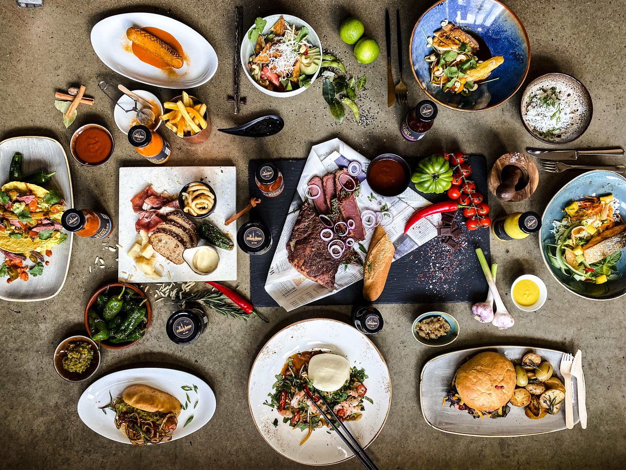 StadtGeschmack Rezepte auf einen Blick, gedeckter Tisch