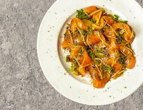 Lachs Sashimi mit Limette und Ingwer